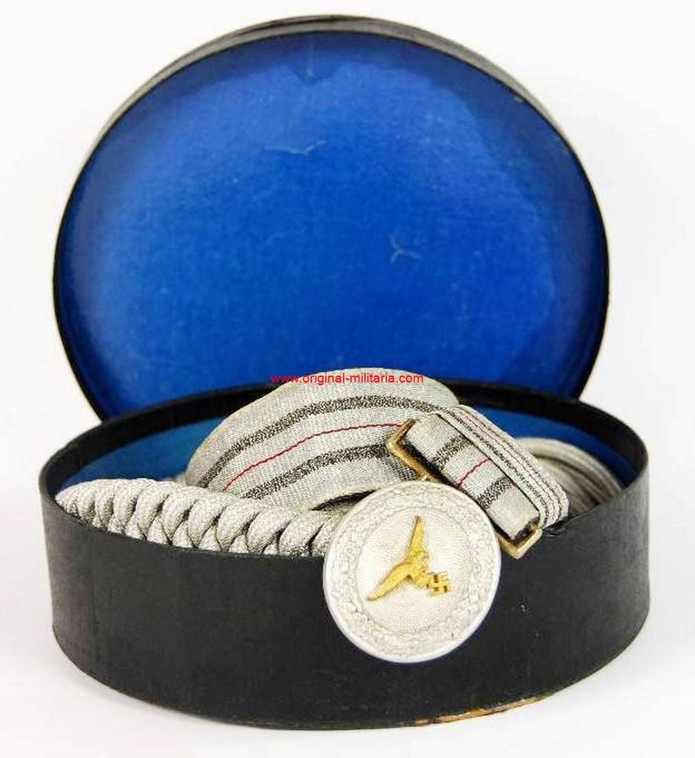 LW/ Caja con Set de Cordón y Cinturón con Hebilla con Águila 1er modelo